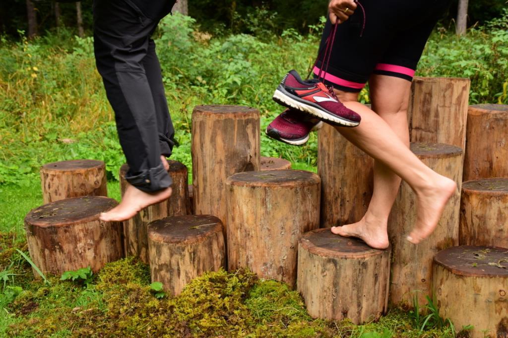park-therapy-abbracciare-gli-alberi-vacanza-natura-trentino4,865